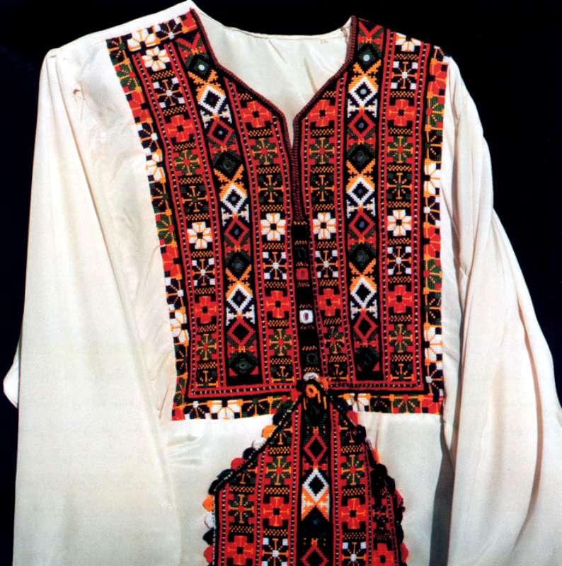مانتو سنتی اصفهان سوزندوزی بلوچ